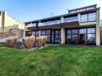 Pronájem domu v osobním vlastnictví, 270 m2, Beroun