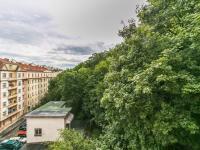 Výhled z terasy (Pronájem bytu 2+kk v osobním vlastnictví 50 m², Praha 5 - Košíře)