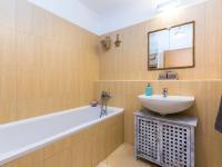 Koupelna s vanou (Pronájem bytu 2+kk v osobním vlastnictví 50 m², Praha 5 - Košíře)