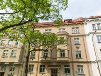 Dům  (Prodej bytu 2+1 v osobním vlastnictví 91 m², Praha 6 - Bubeneč)