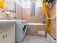 Koupelna (Prodej bytu 2+1 v osobním vlastnictví 91 m², Praha 6 - Bubeneč)