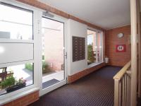 Stylové a čisté společné prostory domu. (Prodej bytu 2+1 v osobním vlastnictví 53 m², Praha 6 - Dejvice)