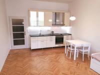 Pronájem bytu 1+kk v osobním vlastnictví 34 m², Praha 8 - Karlín