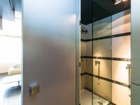 PŘÍZEMÍ - KOUPELNA - Pronájem bytu 2+kk v osobním vlastnictví 95 m², Praha 5 - Smíchov