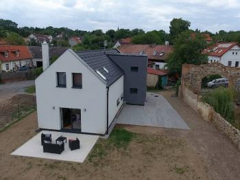 Prodej domu v osobním vlastnictví 230 m², Okoř
