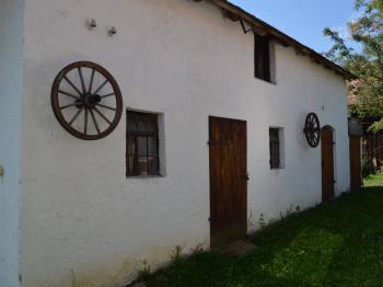 Prodej historického objektu 100 m², Rácovice
