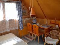 srub (Prodej chaty / chalupy 100 m², Holenice)