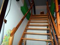 Schody do podkroví (Prodej domu v osobním vlastnictví 294 m², Třebušín)