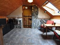 Podkroví - prostor pro koupelnu (Prodej domu v osobním vlastnictví 140 m², Třebenice)