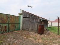 Kůlna se sklepem (Prodej domu v osobním vlastnictví 85 m², Dolánky nad Ohří)