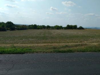 Prodej pozemku 1900 m², Malé Žernoseky
