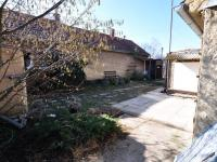 Dvorek  - Prodej domu v osobním vlastnictví 135 m², Černuc