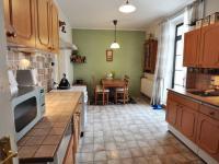 Kuchyň - vpravo dveře na dvorek - Prodej domu v osobním vlastnictví 180 m², Litoměřice
