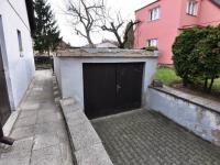 Garáž s vjezdem z ulice Michalovická - Prodej domu v osobním vlastnictví 180 m², Litoměřice
