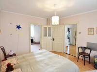 Druhá ložnice - vpravo dveře pokojík, vlevo ložnice - Prodej domu v osobním vlastnictví 180 m², Litoměřice