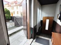 Zádveří - dveře do domu a na dvorek - Prodej domu v osobním vlastnictví 180 m², Litoměřice