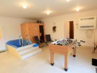 suterén - sauna, bazén (Prodej domu v osobním vlastnictví 776 m², Líšnice)