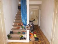 Schodište do patra (Prodej domu v osobním vlastnictví 164 m², Dolní Řasnice)