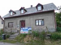 Pohled z čela domu (Prodej domu v osobním vlastnictví 164 m², Dolní Řasnice)