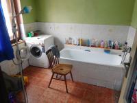 Koupelna (Prodej domu v osobním vlastnictví 164 m², Dolní Řasnice)