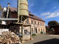 pohled na hlavní budovu - Prodej komerčního objektu 3259 m², Osečná