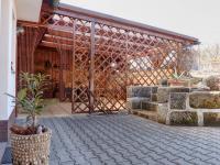 Zahradní terasa s pergolou - Prodej domu v osobním vlastnictví 127 m², Rynoltice