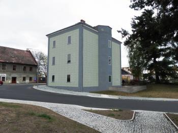Pohled od nádraží - Prodej bytu 1+1 v osobním vlastnictví 46 m², Jablonné v Podještědí