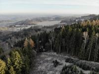 Les - pohled z dronu - Prodej pozemku 37926 m², Chuchelna