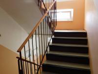 schodiště - Prodej bytu 2+kk v družstevním vlastnictví 44 m², Liberec