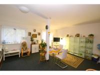 Pokoj (Prodej bytu 1+kk v osobním vlastnictví 49 m², Nučice)