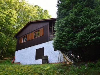 Pohled z levé strany - Prodej chaty / chalupy 80 m², Nalžovice