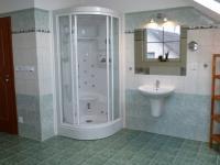 masážní sprchový kout (Prodej domu v osobním vlastnictví 289 m², Cheb)