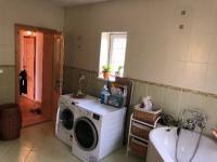 koupelna - Prodej domu v osobním vlastnictví 380 m², Chodov