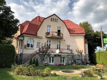 Prodej domu v osobním vlastnictví 380 m², Chodov