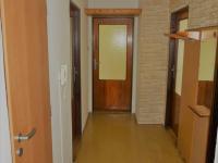 předsíň (Prodej bytu 3+1 v osobním vlastnictví 75 m², Dolní Žandov)
