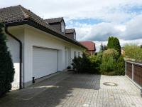 garáž a parkovací stání (Prodej domu v osobním vlastnictví 451 m², Františkovy Lázně)