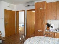 pěkně vybavený pokoj (Prodej bytu 5+kk v osobním vlastnictví 80 m², Baška)