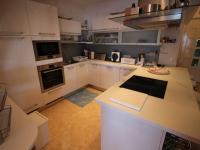 skvěle vybavená kuchyň (Prodej bytu 5+kk v osobním vlastnictví 173 m², Senj)
