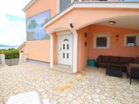 důmyslný prostor před poledním žárem (Prodej domu v osobním vlastnictví 128 m², Novi Vinodolski)
