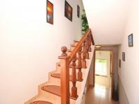 vkusné schodiště (Prodej domu v osobním vlastnictví 128 m², Novi Vinodolski)