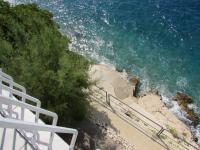 vstup do moře po vlastním nerez žebříku - Prodej domu v osobním vlastnictví 230 m², Drvenik