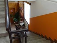 schodiště do penzionu - Prodej domu v osobním vlastnictví 360 m², Krásná