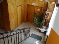 vchod do  velkého sálu - Prodej domu v osobním vlastnictví 360 m², Krásná
