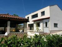 pohled na domek i letní kuchyň (Prodej domu v osobním vlastnictví 192 m², Marčana)