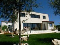 dostatek relaxačního okolí (Prodej domu v osobním vlastnictví 192 m², Marčana)