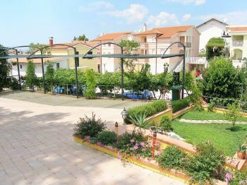 klidná část  - Prodej domu v osobním vlastnictví 200 m², Šibenik