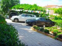 dostatečné parkování - Prodej domu v osobním vlastnictví 200 m², Šibenik