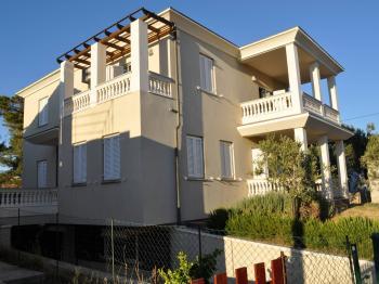dílo významných atchitektů - Prodej domu v osobním vlastnictví 265 m², Košljun