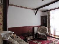 obývací pokoj s trámy (Prodej bytu 3+kk v osobním vlastnictví 58 m², Cheb)
