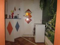 vstup do koupelny (Prodej bytu 3+kk v osobním vlastnictví 58 m², Cheb)